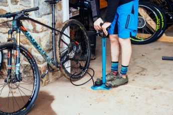 what is the best bike pump on Amazon
